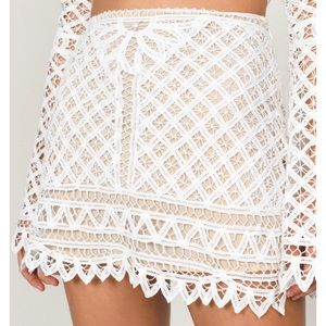Tobi White Lace Skirt sz.M/L